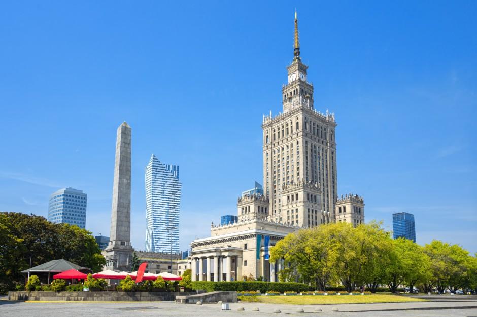 Rafał Trzaskowski: PKiN w niedzielę oświetlony barwami Białorusi