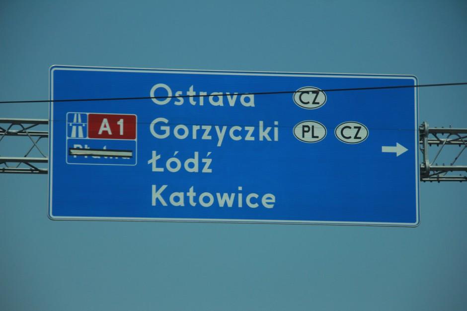 Nazwy zagranicznych miast na znakach drogowych będą również po polsku