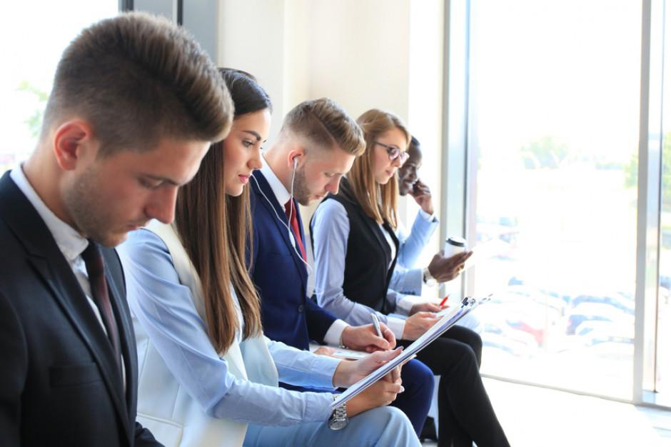 W dobie niskiego bezrobocia potrzebna jest synergia biznesu i samorządu