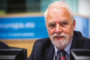 Jan Olbrycht o przyszłości funduszy unijnych: Jest 5 scenariuszy i tylko jeden korzystny