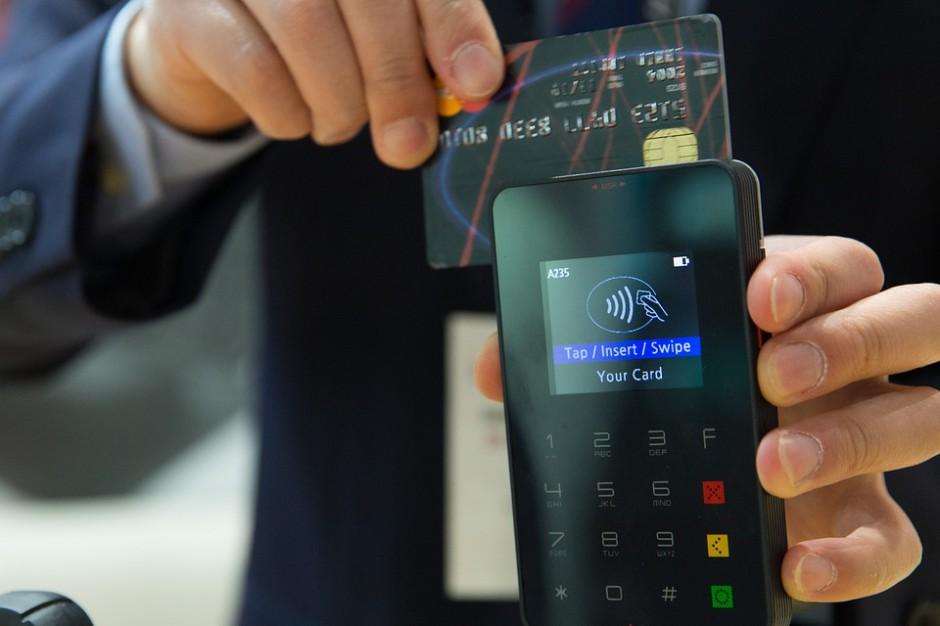 Płatności bezgotówkowe w urzędach coraz powszechniejsze