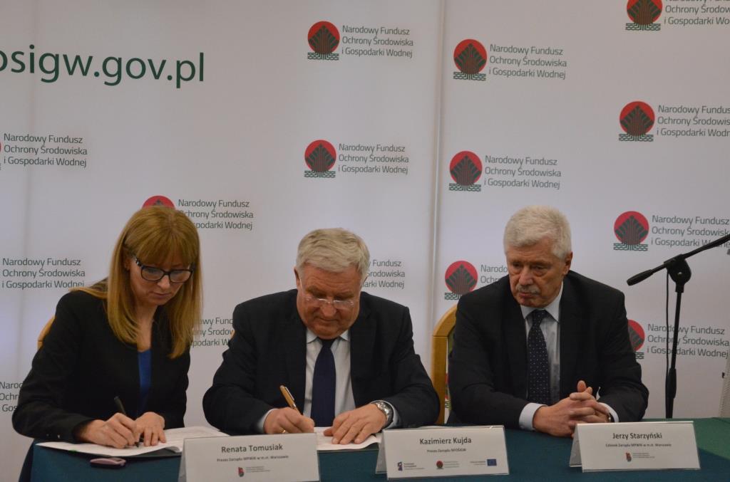Umowę w tej sprawie została podpisanaw piątek (24 listopada)pomiędzyNarodowym Funduszem Ochrony Środowiska i Gospodarki Wodnej oraz Miejskim Przedsiębiorstwem Wodociągów i Kanalizacji w m.st. Warszawie. (fot. NFOŚiGW)