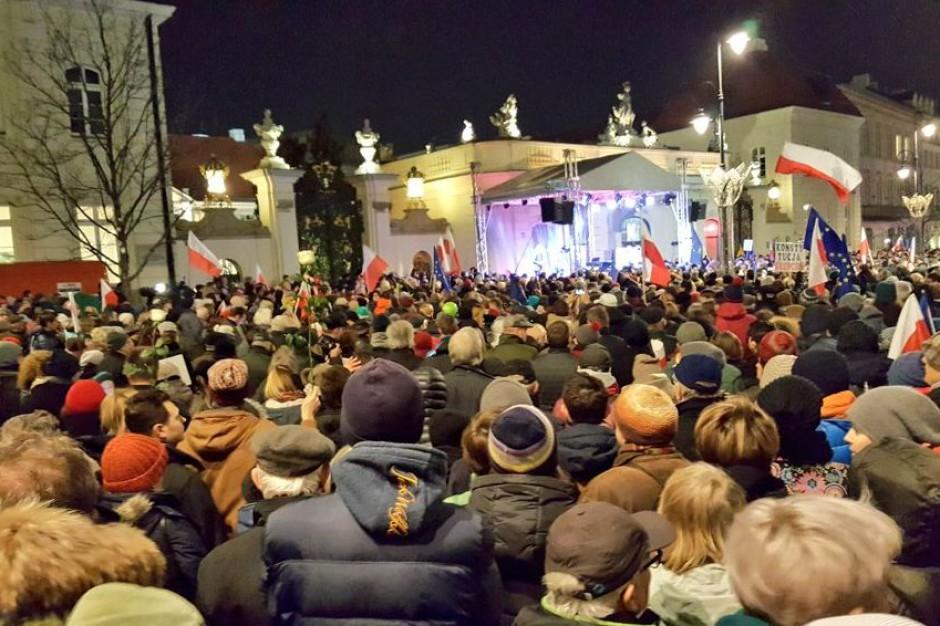 """""""Wolne sądy, Wolne wybory, Wolna Polska""""! Polacy demonstrują w całym kraju"""