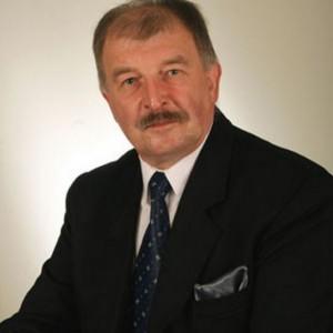 Witold Kwiecień przestał być burmistrzem Wojkowic za sprawą referendum, które przeprowadzono w październiku 2012 r. By głosowanie było wiążące musiało w nim wziąć udział 1770 osób – do urn poszło ich 2200, z czego 95 proc. było za odwołaniem Kwietnia z urzędu. Z inicjatywą referendalną wystąpili radni. Wcześniej przyjęli oni uchwałę o nieudzieleniu burmistrzowi absolutorium. Zarzucali mu oni złamanie przepisów finansowych i nieprawidłowości w wydatkowaniu publicznych pieniędzy. Niezrażony odwołaniem ze stanowiska Kwiecień zdecydował się kandydować na burmistrza w wyborach 2014 r. , ale bez powodzenia. Fot. mat. pras.