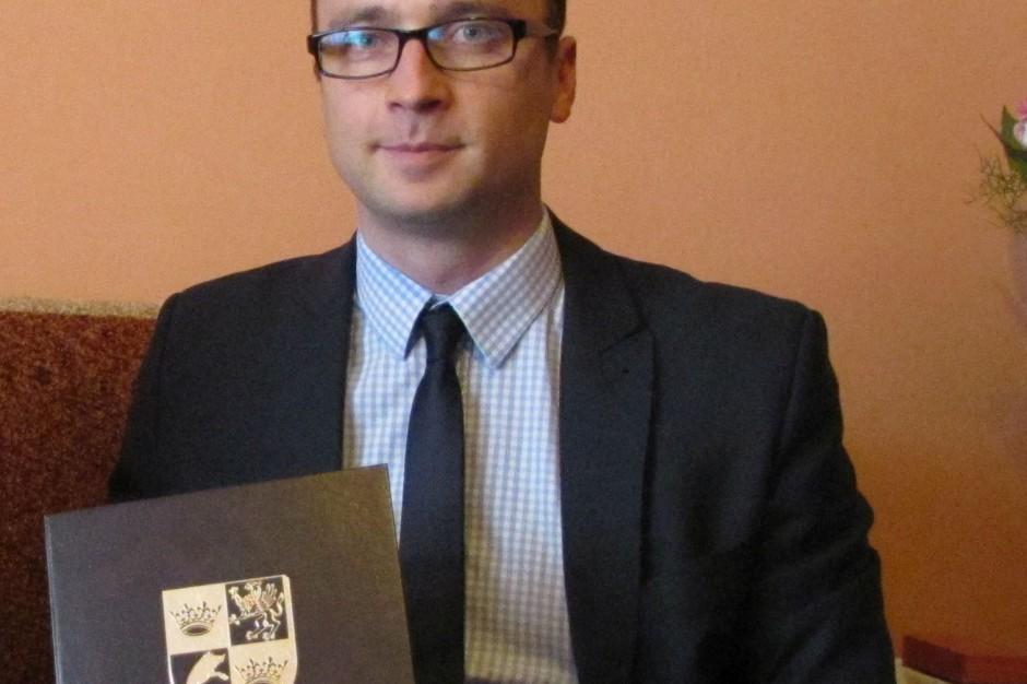 Świdnica: Wiceprezydent Szymon Chojnowski przyznał się, że jest gejem