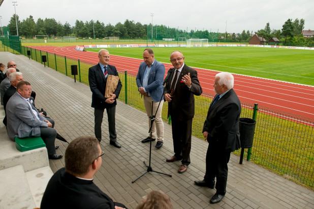 Otwarcie stadiony w Stężycy (fot.stezyca.pl)