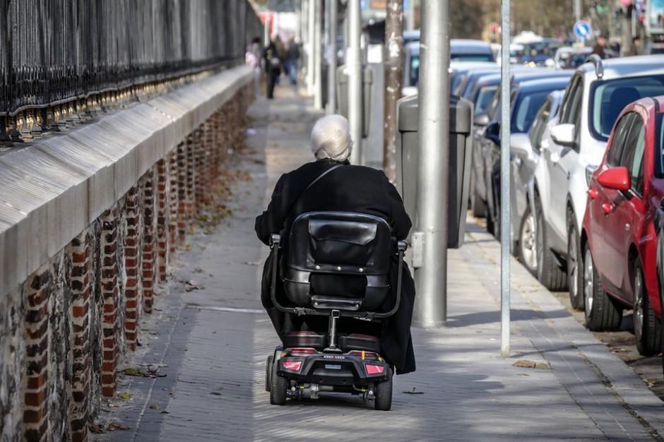 NIK sprawdzi dostępność przestrzeni publicznej dla starszych i niepełnosprawnych