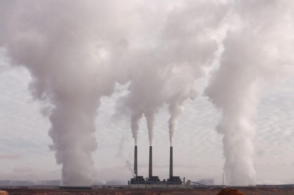 Ruszyła e-strona mająca pomagać mieszkańcom ws. problemów z emisjami przemysłowymi