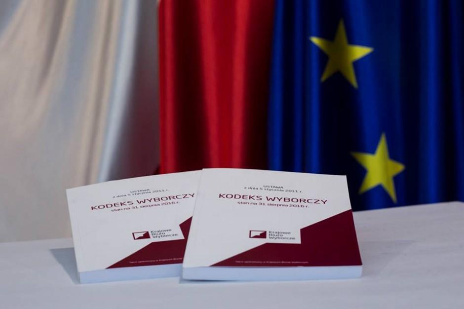 Spore zastrzeżenia do dwukadencyjności w samorządach