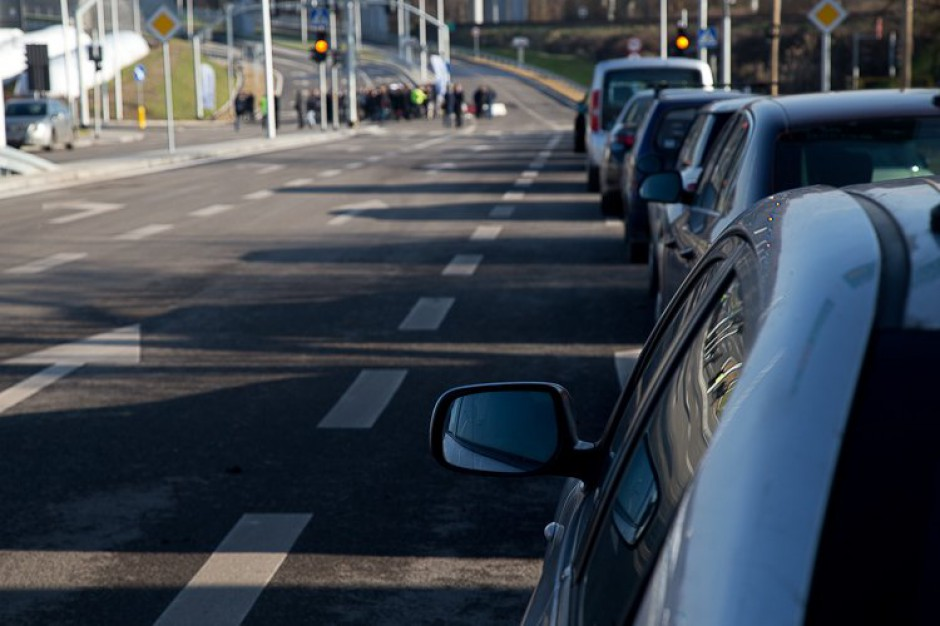 Śląskie: dofinansowanie inwestycji na drogach w gminach i powiatach