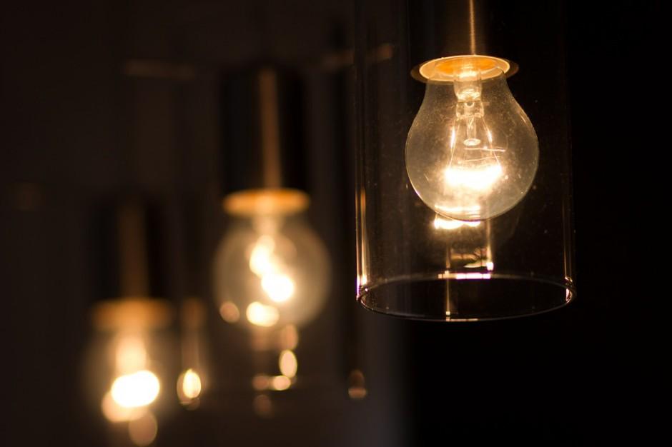 RCB: nadal niemal 60 tys. odbiorców bez prądu