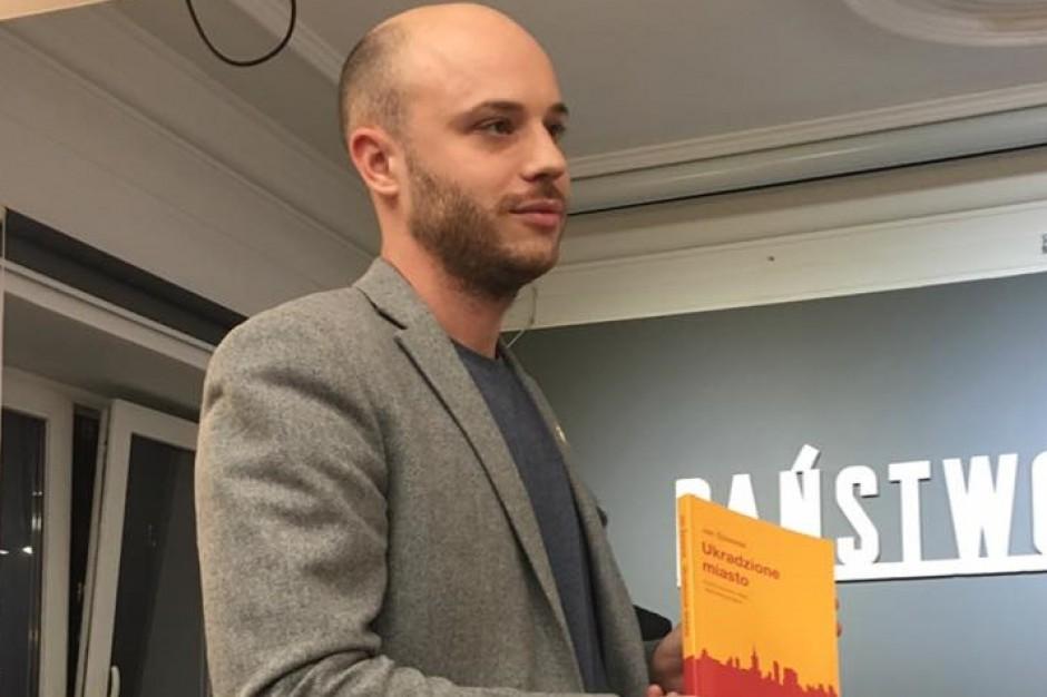 Jan Śpiewak apeluje o wyrzucenie z PiS zamieszanego w aferę reprywatyzacyjną radnego