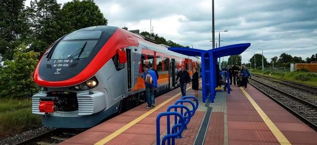 PKP PLK o nowym rozkładzie jazdy: Więcej pociągów, nowe połączenia i przystanki