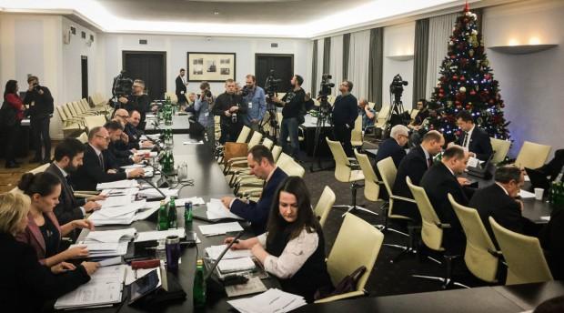 Komisja nadzwyczajna pozytywnie zaopiniowała projekt PiS noweli Kodeksu wyborczego