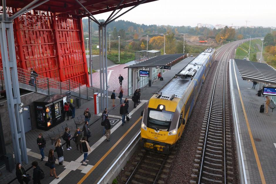 Od niedzieli pociągi PKM mają dwa nowe przystanki w Gdyni