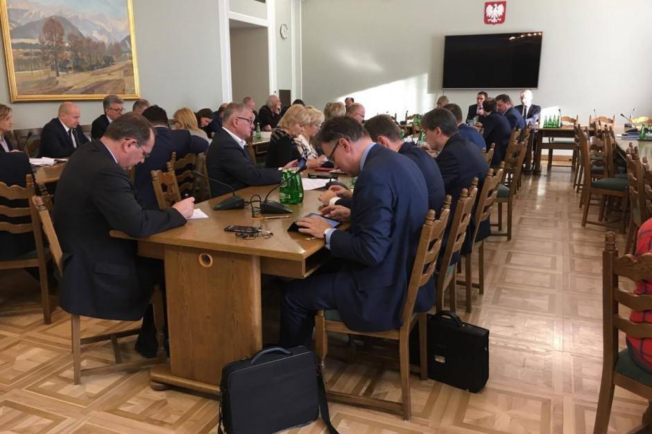 Sejm: Komisja poparła projekt noweli o komisji weryfikacyjnej