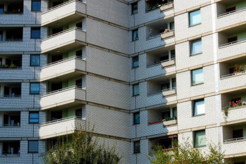 Mieszkania w Warszawie: Koniec z pustostanami, piecami i długami lokatorów?