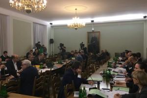 Sejmowa komisja za wydłużeniem kadencji samorządów do 5 lat