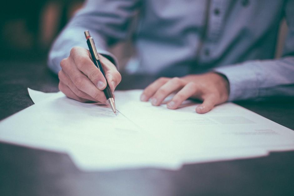 Ustawa o jawności życia publicznego: Ograniczono oświadczenia majątkowe