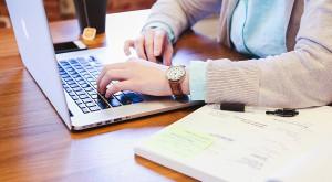 E-usługi urzędów kończą się na przyjmowaniu formularzy?