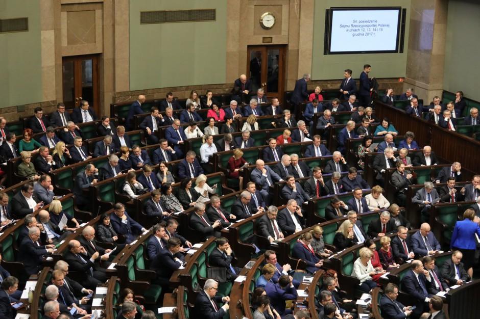 Sejm za pięcioletnią kadencją rad gmin i powiatów oraz sejmików wojewódzkich