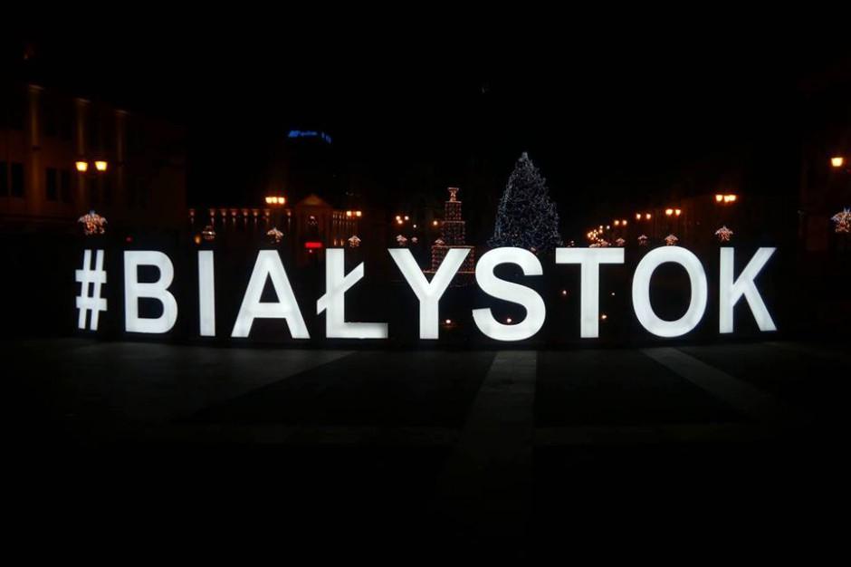 Miłośnicy esperanto opanowali Białystok. Świętują 158. urodziny Zamenhofa