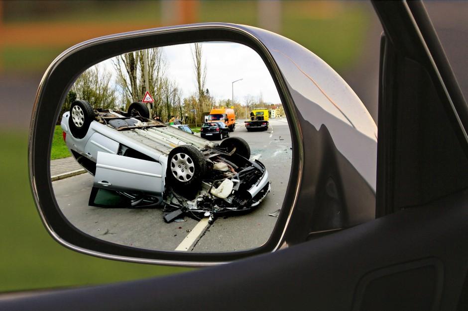 Wypadków na drogach coraz mniej. Efekt kontroli i fotoradarów