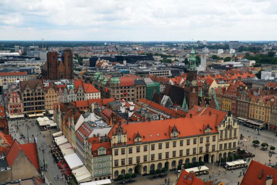 Wrocław: Praca w szkolnych gabinetach mało atrakcyjna?