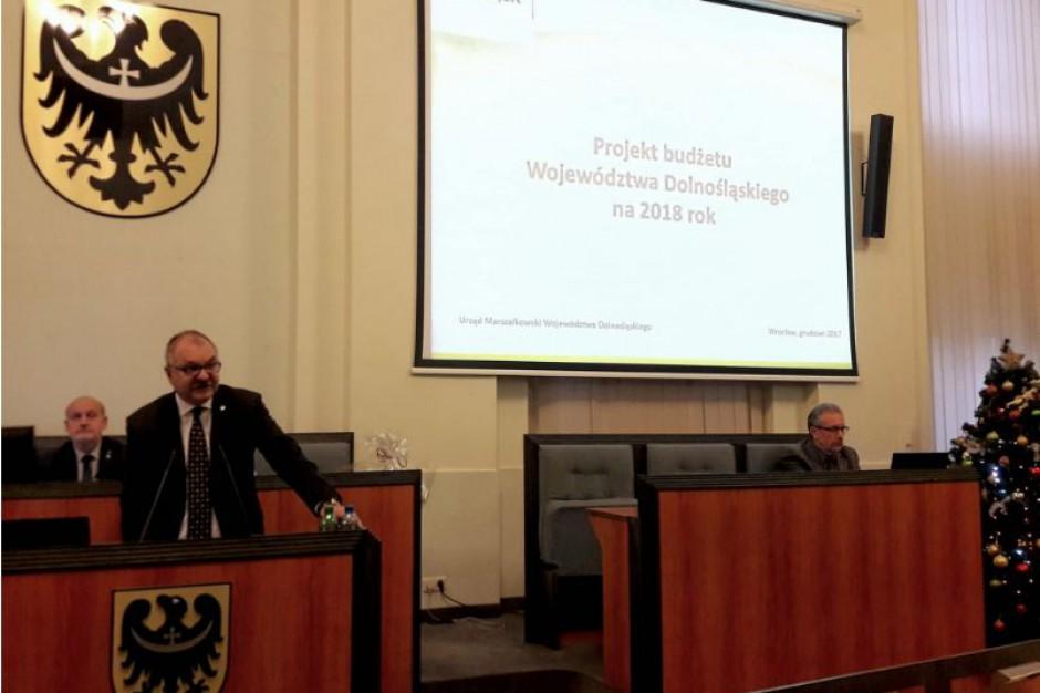 Dolnośląskie: Sejmik przyjął budżet na 2018 r.