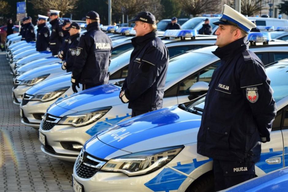 Nowe radiowozy dla policji na Podkarpaciu. M.in. w Rzeszowie, Mielcu i Stalowej Woli