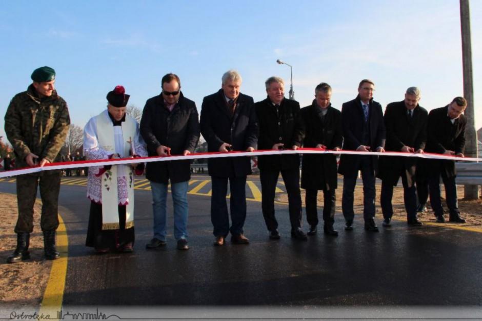 Ostrołęka: tymczasowy most w Ostrołęce otwarty