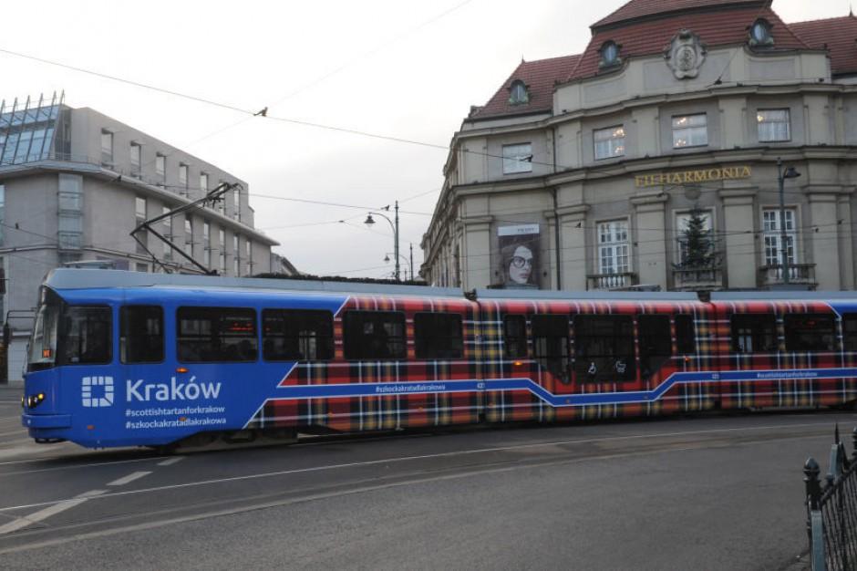 Tartanowy tramwaj już na ulicach Krakowa