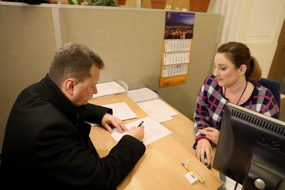 Milionowi Polaków wkrótce upływa termin ważności dowodu osobistego