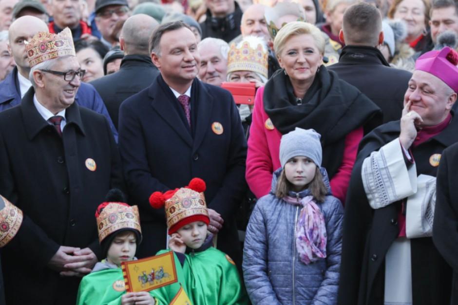 Tłumy mieszkańców na orszakach Trzech Króli. Wśród nich samorządowcy oraz prezydent Andrzej Duda