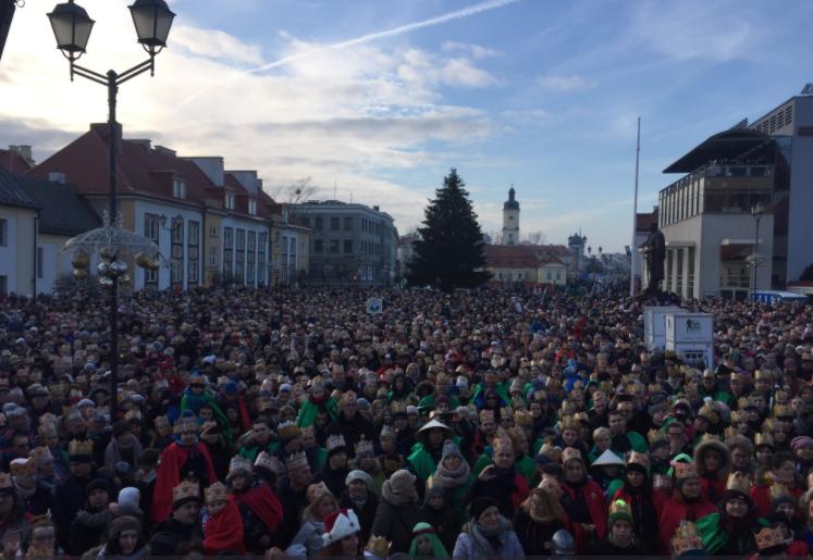 Białystok - orszak Trzech Króli także w tym mieście przyciągnął tłumy (fot. Twitter/Wschodzący Białystok)