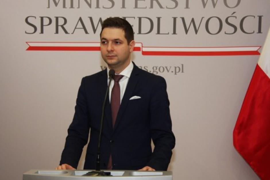 Patryk Jaki: Prezydent Warszawy powinna podziękować mężowi