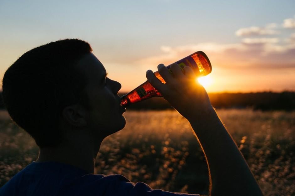 Ustawa o ograniczeniu sprzedaży alkoholu: Samorządowa komisja za poprawkami Senatu