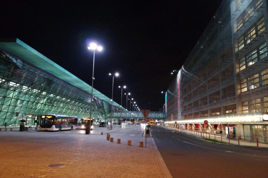 Kraków: Robot zapewni bezpieczeństwo na lotnisku w Balicach