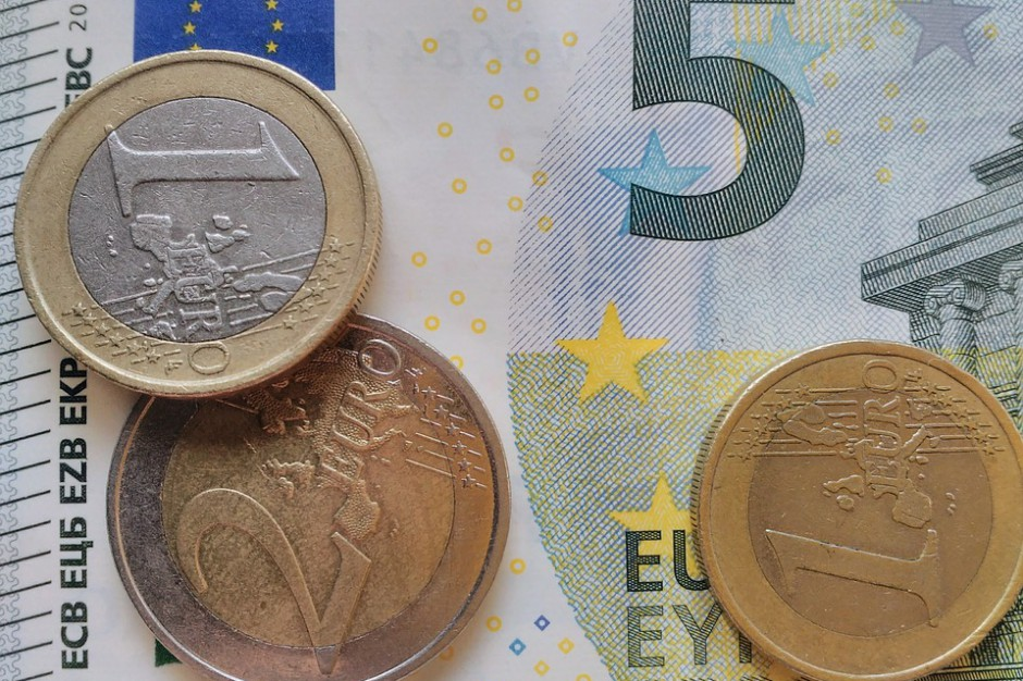 Polska zbyt wolno wydaje fundusze w ramach Polityki Spójności