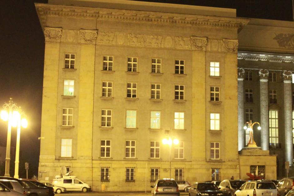 Zarząd woj. śląskiego przedstawił autopoprawki do budżetu i prognozy