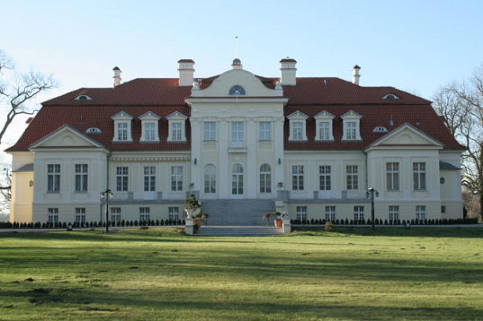 Samorząd wojewódzki chce odkupić pałac w Winnej Górze. Będzie muzeum?