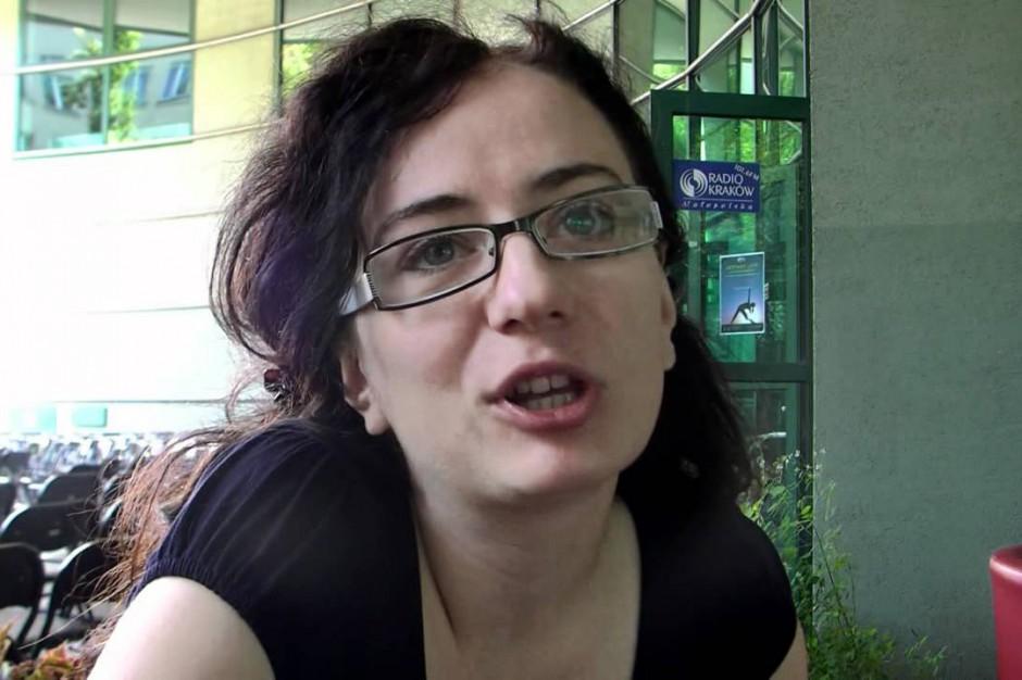 Krakowska radna Anna Szybist występuje z PO