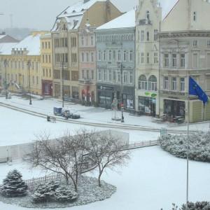 W Bydgoszczy na rynku posypało.   Fot: Twitter, Bydgoszcz