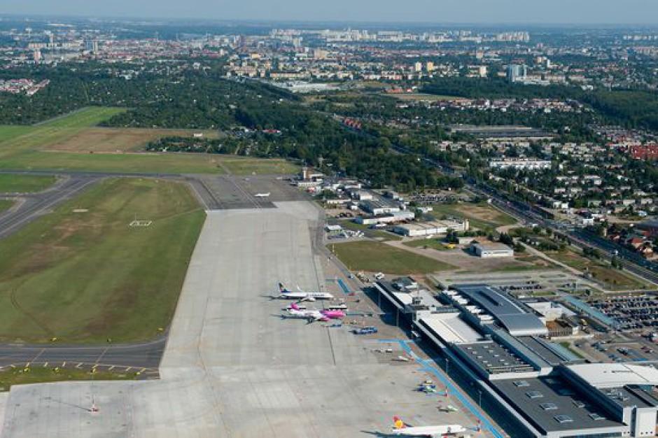 Poznań: lotnisko Ławica obsłużyło w ub. roku przeszło 1,8 mln pasażerów