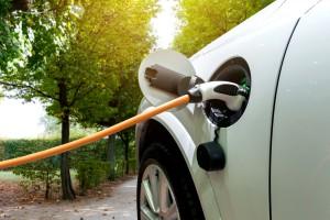 Ustawa o elektromobilności bez poprawek senackiej komisji