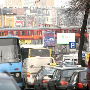 Ekolodzy chcą samochodów spalinowych w centrach miast?