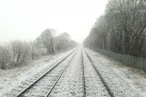 Brak prądu i utrudnienia na kolei przez wichury