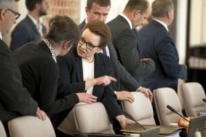 Minister Zalewska wraca do swej obietnicy. I zapowiada konferencję