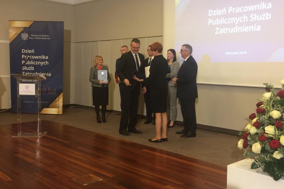 Dzień Pracownika Publicznych Służb Zatrudnienia. Elżbieta Rafalska nagrodziła najlepszych pracowników