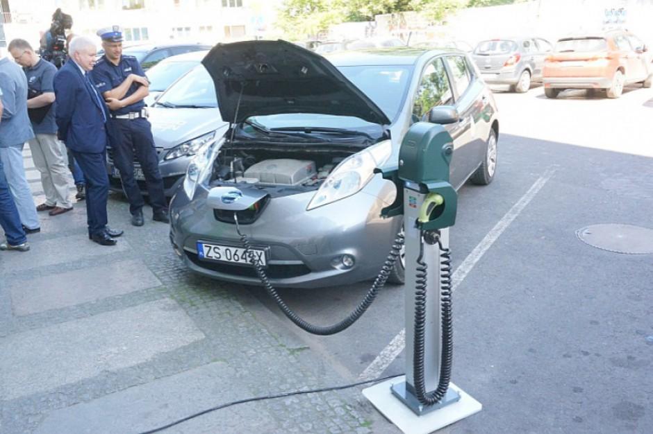 Elektromobilność. Lasy Polskie chcą pomóc właścicielom samochodów elektrycznych